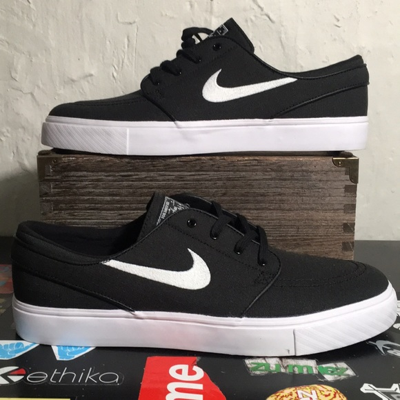 Nike Other - Nike SB Zoom Stefan Janoski Canvas Black Size 10